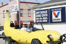"<div class=""source"">Linda Lawrence </div><div class=""image-desc"">Steve Braithwaite, of Coopersville, Pa., and his crew member, Liz O'Neill stopped at Dry Ridge Auto Parts on June 13, after attending the Banana Split Festival in Wilmington, Ohio.</div><div class=""buy-pic""><a href=""http://web2.lcni5.com/cgi-bin/c2newbuyphoto.cgi?pub=195&orig=IMG_9424.jpg"" target=""_new"">Buy this photo</a></div>"