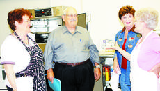 "<div class=""source""></div><div class=""image-desc"">Larry Spears, center, talks with Mary Michael Kells, Charlene Rogers and Sue O'Connor at the Spears Kitchen in Dry Ridge.</div><div class=""buy-pic""><a href=""http://web2.lcni5.com/cgi-bin/c2newbuyphoto.cgi?pub=195&orig=Larry%2BSpears%2Bwith%2Bladies.jpg"" target=""_new"">Buy this photo</a></div>"