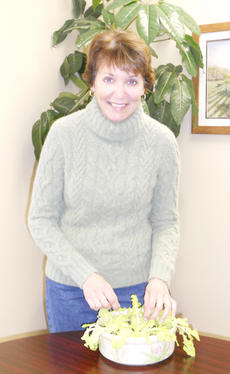 "<div class=""source""></div><div class=""image-desc"">Sharon Tepe, an avid gardener, graduated from the Master Gardener training class at the Civic Garden Center in Cincinnati.</div><div class=""buy-pic""></div>"