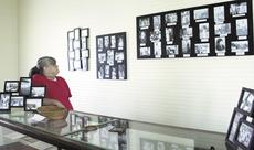 """<div class=""""source"""">Jamie Baker-Nantz</div><div class=""""image-desc"""">Connie Taylor is working to piece together the history of black families from Grant County. She volunteers her time to share the stories, photos and artifacts she's managed to preserve.</div><div class=""""buy-pic""""><a href=""""http://web2.lcni5.com/cgi-bin/c2newbuyphoto.cgi?pub=195&orig=connie%2Btaylor2.jpg"""" target=""""_new"""">Buy this photo</a></div>"""