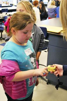 "<div class=""source""></div><div class=""image-desc"">SES student Abigail Varner learns how the pulse oximeter works. </div><div class=""buy-pic""><a href=""http://web2.lcni5.com/cgi-bin/c2newbuyphoto.cgi?pub=195&orig=pic%2B3_32.jpg"" target=""_new"">Buy this photo</a></div>"