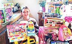 """<div class=""""source""""></div><div class=""""image-desc"""">Jacob Vickers donated toys to children in the hospital during Christmas.</div><div class=""""buy-pic""""><a href=""""/photo_select/19590"""">Buy this photo</a></div>"""
