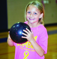 """<div class=""""source""""></div><div class=""""image-desc"""">Cayleigh Mullins gets ready to bowl. </div><div class=""""buy-pic""""><a href=""""/photo_select/26312"""">Buy this photo</a></div>"""