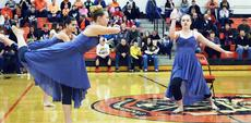 """<div class=""""source""""></div><div class=""""image-desc"""">Brooklyn Jump, Sarah Edmondson and Lyndsey Cornman of the WHS Dance team show of their routine.</div><div class=""""buy-pic""""><a href=""""/photo_select/19364"""">Buy this photo</a></div>"""