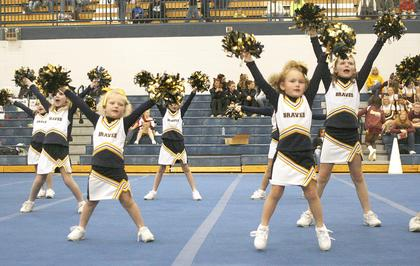 The Grant County Blue Midgets perform their routine.