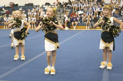 The Grant County Gold Midgets perform their routine.