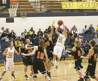 Hannah Kitchens tries to score a basket against Williamstown on Jan. 24.