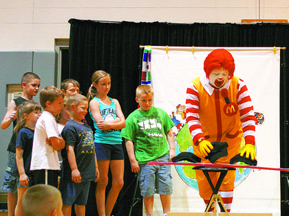 Ronald McDonald visited Mason-Corinth Elementary