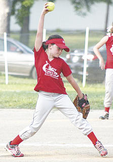 Macy Middleton delivers a pitch for the Dirt Divas.