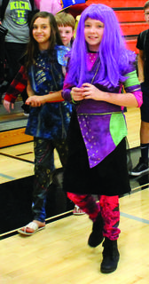 """WMS/WHS - Sierra Fox and Ambry Shepherd as Evie and Mal from """"The Descendants"""""""