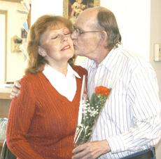"<div class=""source"">Linda Lawrence</div><div class=""image-desc"">Sandra and George Floyd</div><div class=""buy-pic""><a href=""/photo_select/9264"">Buy this photo</a></div>"