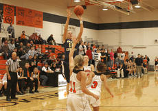 "<div class=""source"">Matt Birkholtz</div><div class=""image-desc"">Lady Braves sophomore Billie Hearn led all scorers in the game with 26 points. </div><div class=""buy-pic""></div>"