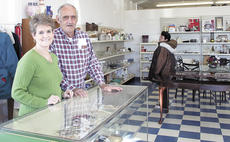 """<div class=""""source"""">Jamie Baker-Nantz</div><div class=""""image-desc"""">Sue and John Franco have agreed to serve as volunteer directors of the Helping Hands Thrift Store.</div><div class=""""buy-pic""""></div>"""